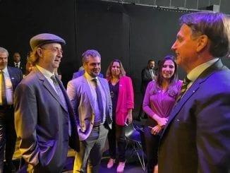 Reinaldo Azevedo criticou uso político da crise do corona vírus por Jair Bolsonaro.