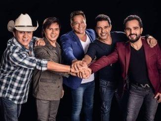 Live dos Amigos reúne Zezé de Camargo, Luciano, Chitãozinho e Xororó e Leonardo. Show dá sequência a turnê de 20 anos pelo primeiro encontro do grupo.