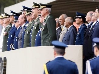 Saída do ministério e acusações de Sérgio Moro contra Jair Bolsonaro enfraquecem relação do presidente com militares, que compõe importante base de sustentação do governo.