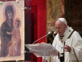 Papa pede coragem e esperança e diz que a morte não terá palavra final na pandemia de covid-19.