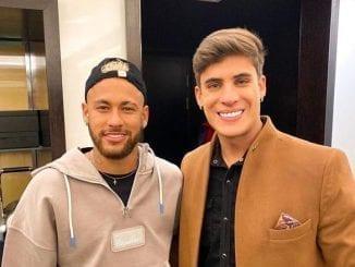 Segundo colunista Léo Dias, Tiago Ramos já namorou influencer Carlinhos e cozinheiro de Neymar.