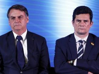 De acordo com quem assistiu, vídeo de reunião ministerial mostra presidente solicitando trocas na Polícia Federal e ameaçando Sérgio Moro de demissão.