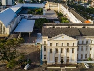 Uma das escolas mais tradicionais de Salvador, Colégio Antônio Vieira concede desconto de 15% em três meses de mensalidade após encontros on-line.