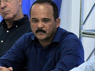 Após ter contato com vereador infectado por coronavírus, prefeito de Camaçari, Elinaldo Rodrigues, resolver fazer teste e cancela agenda pública.