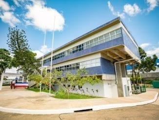 Elias Natan pede que Policlínica de Simões Filho vire unidade de enfrentamento ao coronavírus. Novos leitos podem atender população de seis cidades.